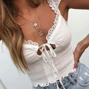 ♥️New White Tie Up Sleeveless Blouse♥️